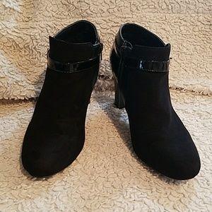 Karen Scott Black booties ankle boots